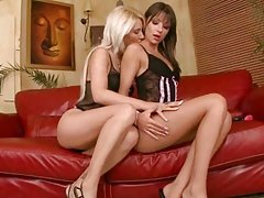 Young babes making lesbian love