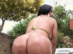 Cielo gives her big ass up outdoors