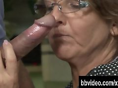 German mature whore eat dick in kitchen