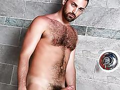 Hairy Rich Kelly jerking off